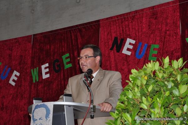 Horst Gies spricht zu den Abgängern