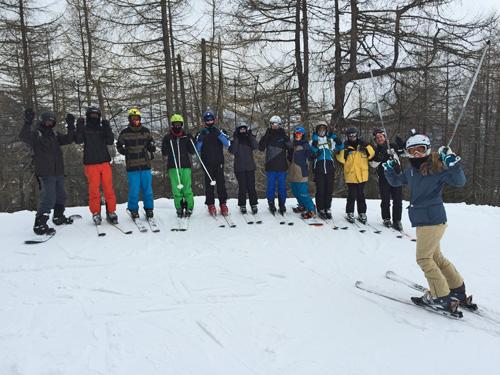 Gruppe der Fortgeschrittenen mit Skilehrerin Madeleine