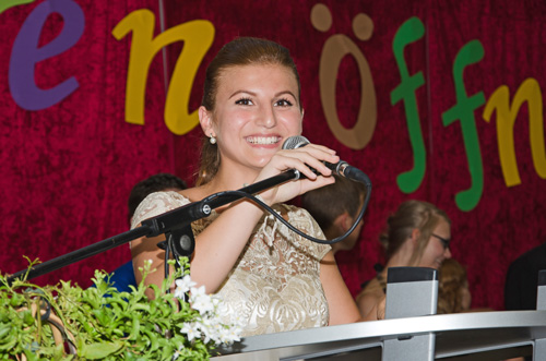 Dilber Algülener (10b) erhielt den Sozial-Preis der Bildungsministerin