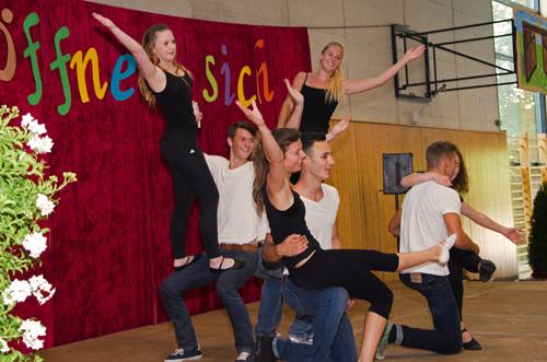 Auftritt der Rock 'n' Roll-Tanzgruppe