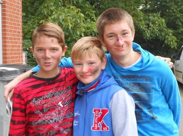 Alex, Marcel und Nils als Opfer des Klärwerksexplosion