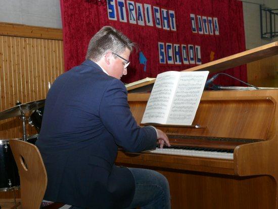 Jan-Raphael Kemnitzer am Klavier