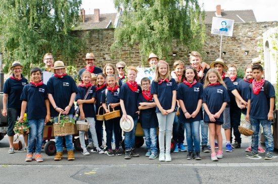 Boeselager-Realschule feierte Winzerfestumzug 2016 mit