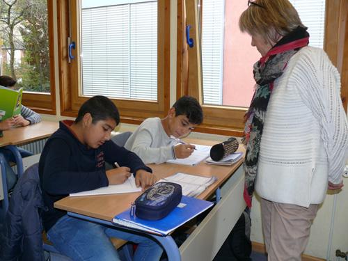 Qualifizierte Begleitung bei der Erledigung der Hausaufgaben durch Lehrer der Boeselager-Realschule Ahrweiler