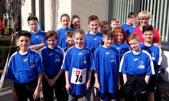 Die Staffel der Klasse 5d bei der Ahrkreisstaffel 2017 - ihre Endzeit für die 42,196 km:2:59:29