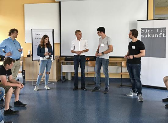 """Michael Hanschmidt vom """"Büro für Zukunft"""" moderierte den Vorbereitungs-Workshop"""