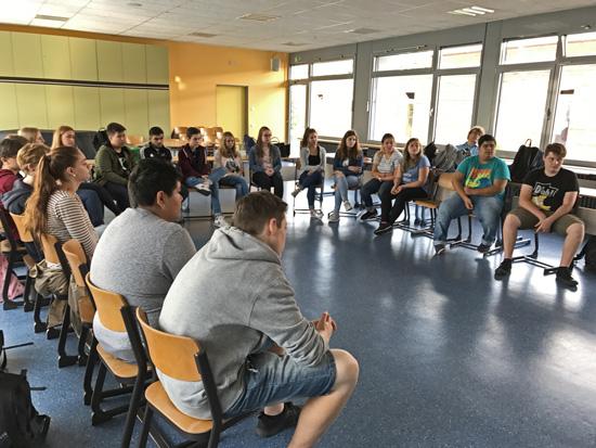 Blick in die Runde der am Ausbildungstag teilnehmenden Boeselager-Realschüler