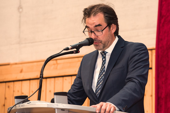 Schulleiter Klaus Dünker bei seinen Abschiedsworten an die Absolventen