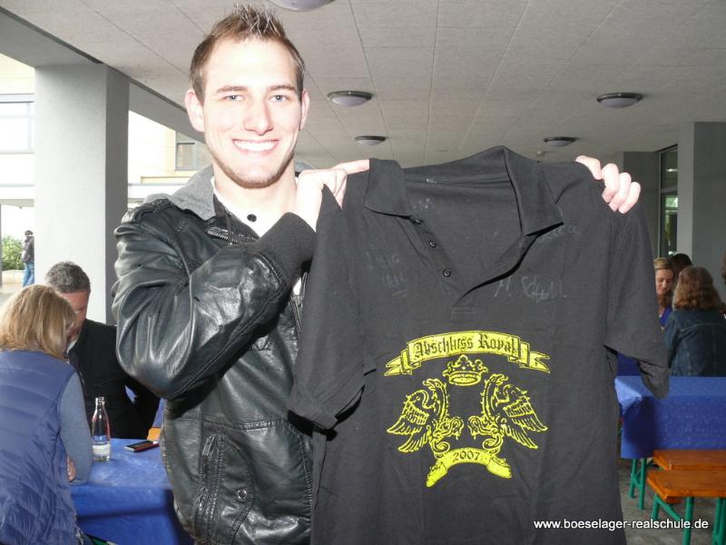 Sebastian brachte sogar sein Abgangs-Shirt mit