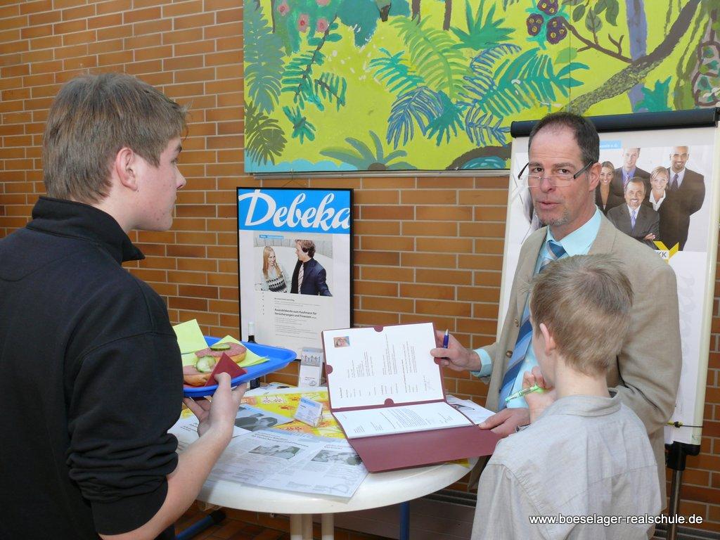 Frank Weiler (Debeka) stellte den Versicherungskaufmann vor