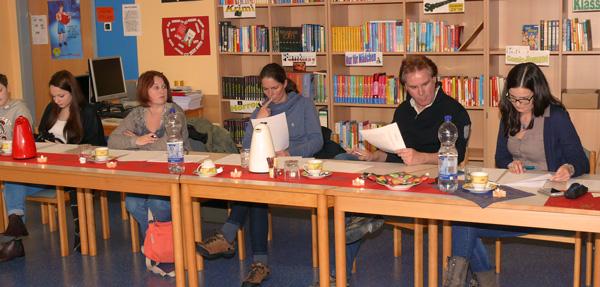 Konzentriertes Arbeiten auch in der Jury des Vorlesewettbewerbes