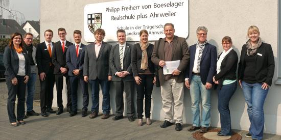 Das Experten-Team mit dem 2. Konrektor Johannes Morschhausen und Berufswahlkoordinator Ralf Breuer
