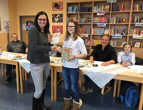 Natalie Hees mit der besten Vorleserin 2016: Emma Grzenia
