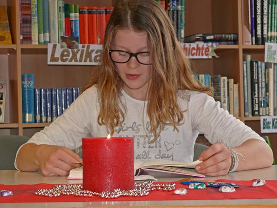 Emma Grzenia wird die Philipp Freiherr von Boeselager Realschule plus Ahrweiler in der nächsten Runde des Vorlesewettbewerbs vertreten.