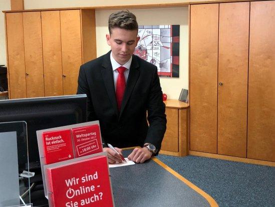 Patrick Z. aus der Klasse 9c schnupperte zwei Wochen bei der Kreissparkasse Ahrweiler in den Beruf des Bankkaufmanns
