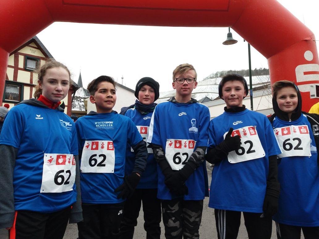 """Unser schnelles Team """"Flotte Truppe"""" (Lauf-AG)auf Platz 4 mit einer Zeit von3:23 Stunden"""