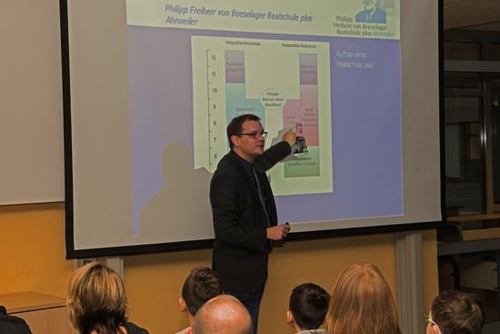 Schulleiter Timo Lichtenthäler stellte die Boeselager-Realschule vor