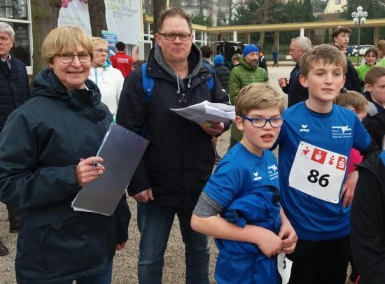 Betreut wurden die vier Teams von den Klassenleitern Anne Weller, Markus Lochner, Klaus Dünker und dem Leiter der Lauf-AG der Boeselager-Realschule Ahrweiler, Dr. Thomas Schröer.