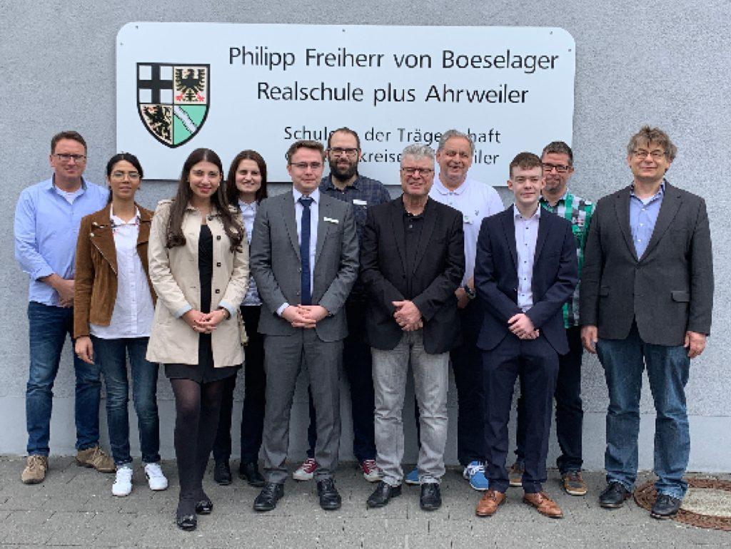 Die Organisatoren Johannes Morschhausen und Ralf Breuer mit den externen Experten