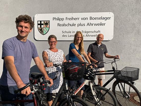 Auch die Boeselager-Realschule ist mit mehreren Stadtradlern mit dabei...