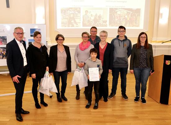 Ende Oktober zeichnete Bürgermeister Guido Orthen die besten Teams sowie die aktivsten Fahrradfahrer aus dem Stadtgebiet im Rahmen einer feierlichen Siegerehrung im Sitzungssaal des Rathauses aus - hier die Vertreter des Boeselager-Teams.