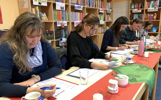 Blick in die Arbeit der Jury des diesjährigen Vorlesewettbewerbs